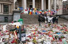 Place de la Bourse (Gordon McKinlay) Tags: flowers brussels de la nikon europe remember place bourse dlsr bse d300s
