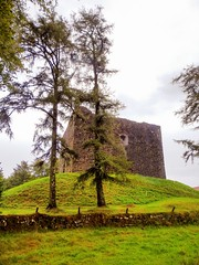 Lydford Castle, West Devon (photphobia) Tags: uk summer holiday building castle architecture buildings cloudy outdoor overcast norman devon keep dartmoor castillo castlekeep lydford lydfordcastle oldwivestale westdevon normanwall
