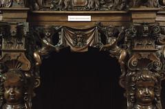 Geel, Vlaanderen, St.-Amandskerk, confessional, detail (groenling) Tags: wood boy face angel nude belgium jesus belgi carving be cherub engel confessional geel woodcarving flanders kempen gezicht vlaanderen biechtstoel knaap hechtermans stamandskerk