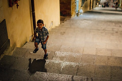 Caltagirone, 2015 (Antonio_Trogu) Tags: italia italy sicilia sicily caltagirone scala stairs stairway street streetphotography bambino child boy walking steps antoniotrogu nikond3100 2015 night shadow