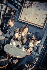 CafCop's (Hashkaz) Tags: paris caf table montmatre rendezvous terasse touriste copines
