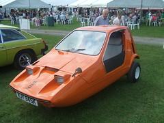 1972 Bond Bug. (Bennydorm) Tags: auto england orange cars car vintage automobile retro bond vehicle british motor autos 1972 naranja motorshow madeinengland bondbug arancia reliant threewheeler crooklands