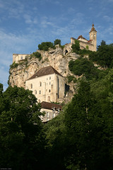 Rocamadour (LOT Tourisme) Tags: france vertical lot chteau rocamadour religieux sanctuaire sudouest midipyrnes lotdepartment edificereligieux thmatique departementdulot patrimoinehistoriqueetculturel tourismelot grandssites