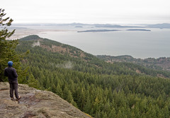 At the Oyster Dome, overlooking Samish Bay and the San Juan Islands (Urban Disturbance) Tags: usa washington hiking lars pacificnorthwest sito oysterdome chuckanutdrive chuckanutmountains