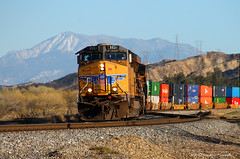 Rural Charm (SP8254) Tags: california railroad up train diesel rail unionpacific locomotive southerncalifornia curve ge redlands redlandsca generalelectric freighttrain inlandempire riversidecounty gevo unionpacificrailroad stacktrain c45accte es45ac santimoteocanyon riversidecountyca up5521 mountsanjactino
