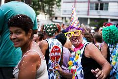Banda do Posto 2 (De Santis) Tags: street carnival party brazil music praia beach brasil 35mm de nikon samba sp santos carnaval rua paulo festa música são bloco d3000