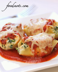 Cheese and Chicken Shells (Food Snots) Tags: shells chicken cheese recipe sauce low meals shell powder pasta part garlic basil recipes ricotta calorie weight parmesan spinach oregano mozzarella watchers skim marinara