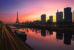 Pont de Grenelle - Paris 6.53am (Cal Redback) Tags: longexposure paris france color seine sunrise canon cal hdr redback pontdegrenelle canon2470 5dmarkii calredback