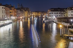 * (Timos L) Tags: longexposure bridge venice italy night canal nightshot trails venezia ultrawide rialto timos