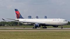 First Revenue Flight (Skeeter Photo) Tags: aviation flight engine msp first airbus ge a330 revenue deltaairlines a333 kmsp minneapolisstpaulinternationalairport avgeek a330302 mtow dal169 gecf680e1a4 n827nw kmsplpfg mspcdg 242ton 242metricton