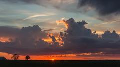 Sunset 528 (Larry Senalik) Tags: sunset sky clouds canon landscape evening illinois dslr t3i 2016