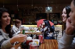 Entre petiscos e sorrisos (renanluna) Tags: mulher woman pessoas peolple restaurante restaurant mesa table cores colors cor color colorido colorful sopaulo sp br 55 fuji fujifilm fujifilmfinepixx100 x100 renanluna