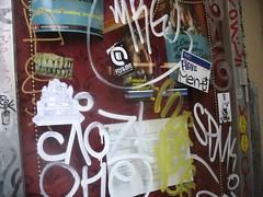 IMG_8218 (FLATTIRON / ISCE) Tags: barcelona street art arte bcn stickers urbano niko pegatinas jams urba raval combos gotic barri flattiron