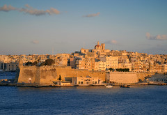 Senglea (albireo2006) Tags: blue sea wallpaper sky water wow mediterranean background malta dome isla valletta grandharbour floriana senglea lisla kartpostal totalphoto v18 gettyimagesmalta1 gimaltafeb12 valletta2018