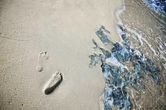 Seychelles - Footprints on the beach (☆ j é r e n) Tags: beach footprints seychelles plage gettyimages tracesdepas