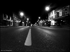 Berkhamsted highstreet by night. (Ben Cox Photography) Tags: road night buildings lights streetlights shops highstreet bollards berkhamsed