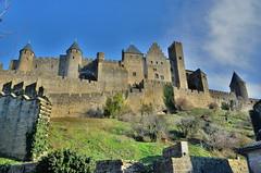 La Cité de Carcassonne (Dam.R) Tags: france architecture de fort cité cathédrale enceinte pont fortification chateau tours aude carcassonne eglise murs sud immeuble batiment remparts languedocroussillon moyenâge citadelle médiéval donjon palissade douves fortifié médiévale meurtrières