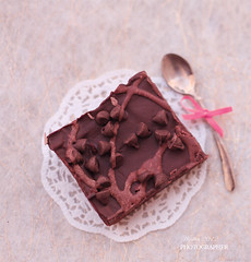 Browniz   (  | WIJDAN Abdulaziz) Tags: light food canon photography natural sweets   abdulaziz    wijdan        browniz