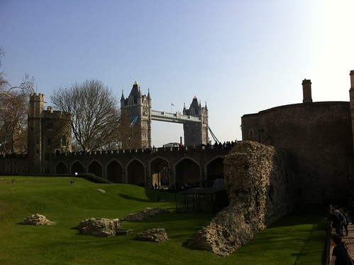"Tower of London • <a style=""font-size:0.8em;"" href=""http://www.flickr.com/photos/28749633@N00/6866292656/"" target=""_blank"">View on Flickr</a>"