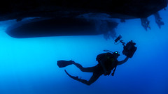 Sailors conduct underwater photography training. (Official U.S. Navy Imagery) Tags: unitedstates military cuba navy usnavy navalstationguantanamobay wwwfacebookcomusnavy