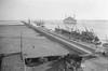 MS Milwaukee / Port Said (Oldimages) Tags: statue egypte tourisme mild entree croisiere paquebot msport canaldesuez 19301940 hamburgamericanline ferdinanddelesseps felouches hwaukee saiapag