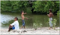 IMG_5329 copy.jpg (danniepolley) Tags: boys fishing nicaragua worldtrekker