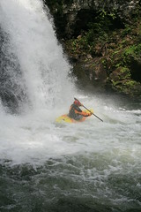 3rd drop Nuno Bei creek Kayaking extreme Japan