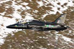 XX287 Hawk 208 Sqn (PhoenixFlyer2008) Tags: snow wales speed canon hawk valley mustang raf squadron 208 lowlevel cadair dolgellau machloop tmk1 lfa7 neilbates xx287 airteamcanoncouk
