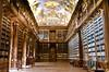 Biblioteca en Praga (maitegarris) Tags: flickrstruereflection1 flickrstruereflection2 trueexcellence1