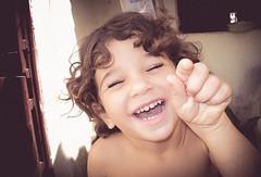Divertindo-se com o flash!!!!! (aislanlima) Tags: criana children vrzea alegre aislan lima cear brazil brasil foto lightroom preset vintage envelhecido brincando