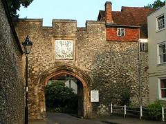 Kingsgate, Winchester, Hampshire, England (Amethinah) Tags: uk greatbritain unitedkingdom hampshire winchester 2007 kingsgate citygate