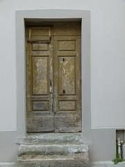P1180195 (solino_222) Tags: door italien italy puerta italia doors tuscany porta porte toscana tr italie toskana portone tren puertas portes portoni