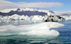 Greenpeace: 'Voces por el rtico' para salvarlo del calentamiento global (Montse;-))) Tags: lake ice lago frozen iceland islandia greenpeace lagoon arctic iceberg glaciar hielo jkulsrln campaa rtico biodiversidad ludovicoeinaudi vocesporelrtico