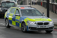 Metropolitan Police New BMW 525d Touring Area Car (PFB-999) Tags: new colour car estate police area bmw vehicle leds service irv met metropolitan touring grilles response unit 5series the mps lightbar trooping 525d bv16uxp