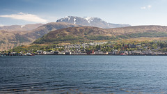 Fort William and Ben Nevis (Joe Dunckley) Tags: uk sea mountain landscape scotland town highlands bennevis inlet fjord fortwilliam lochaber lochlinnhe westhighlands scottishhighlands sealoch