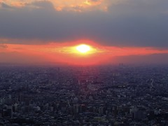 Red eye  (FujiFilm X10) (potopoto53age) Tags: roof sunset red eye apple japan landscape tokyo aperture fuji ikebukuro 日本 redeye fujifilm 東京 fujinon x10 sunshinecity highrisebuilding 池袋 appleaperture sunshine60 viewingdeck superebc サンシャイン60 230m 展望デッキ fujifilmx10 fujinonsuperebc21mm~112mmf20~f28 21mm~112mm f20~f28 230meters