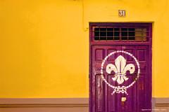 Puerta 31 (P10NERO) Tags: door color canon eos puerta 7d