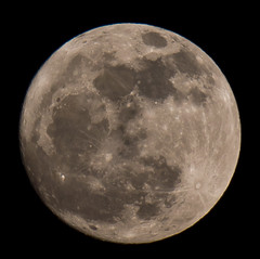 FULL MOON SONY A55 with 70-400 G LENS (jdoakey) Tags: uk greatbritain england sky blackandwhite moon mountain mountains detail up closeup night dark blackwhite close britain stripes gorgeous altitude sony great norfolk clear valley stunning norwich british lovely alpha dslr atmospheric striped oakley clearsky highaltitude a55 flickraward dslt sal70400g sony70400 flickraward flickraward5 flickrawardgallery sonya55