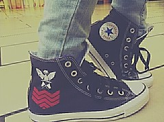 Got my Gorillaz Converse shoes today <3 (Black♥Kat *OLD*) Tags: noodle 2d gorillaz stupot demondays murdocniccals russelhobbs plasticbeach doyathing shoesflickrandroidappfilternone