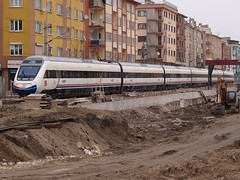 A Turkish Railways' HT65000 'Hzl Tren'/'Fast Train' unit negotiates construction work on the approaches to Eskiehir Gar (Steve Hobson) Tags: train tren construction fast eskiehir railways caf turkish hzl tcdd ht65000