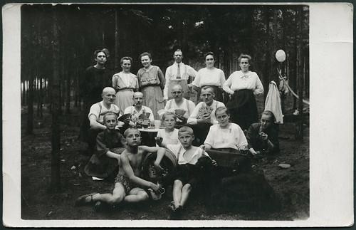 Archiv EE447 Picknick im Wald, 1920er