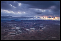 Green River Overlook, Canyonlands National Park - Utah (Dominique Palombieri) Tags: light sunset usa cloud landscape ut canyonlands dominique utha np 45mm 2012 100iso canoneos5dmarkii palombieri lensef24105mmf4lisusm 03secatf13