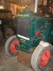 Tracteur Imperial (Australie) (gueguette80 ... non voyant pour une dure indte) Tags: old tractor field collection imperial agricultural picardie australie somme agricole anciens tracteurs lepotre
