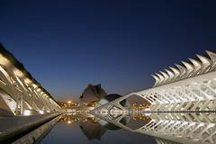 Ciudad de las Artes y las Ciencias de noche (I) (Marta Jimenez) Tags: valencia night noche arts ciudad reflect artes reflejos ciutat ciencias ciencies