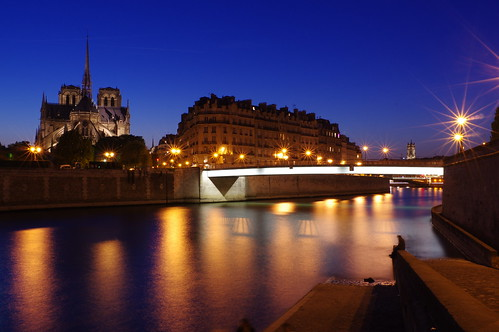 Notre-Dame de Paris at the blue hour with a long exposure