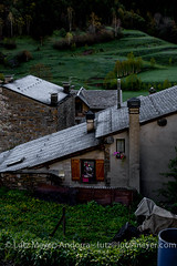 Andorra rural: Ordino, Vall nord, Andorra (lutzmeyer) Tags: pictures roof history ice rural sunrise spring dorf village photos pueblo may images mai fotos tele mayo eis dach sonnenaufgang historia andorra oldhouses bilder pyrenees frhling pirineos pirineus pyrenen historisch maig imatges poble frhjahr rauhreif vallnord llorts rutadelferro sortidadelsol canoneos5dmarkiii livingantic livingrural ordinoparroquia lutzmeyer lutzlutzmeyercom