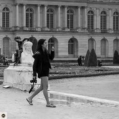 15V16 (photo & life) Tags: street blackandwhite paris france 35mm square europe noiretblanc streetphotography palace versailles squareformat fujifilm fujinon xt1 squarephotography humanistphotography fujinonxf35mmf14r fujifilmxt1