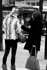 B&W (josephzohn | flickr) Tags: girls people blackandwhite sofia stockholm kungstrdgrden svartvitt vskor tjejer mnniskor pls