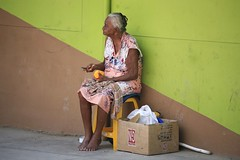 La Pobreza (Alex E. Proimos) Tags: poverty street old portrait peru lady la calle mujer streetphotography mature chic comer begging dinero pobreza piura durazno beging comi abigfave excapture