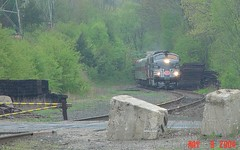 Excursion Approaches Hawleyville (blazer8696) Tags: new york railroad usa unitedstates connecticut central stripe ct lightning newtown 2008 excursion metronorth livery emd fl9 21979 hrrc hawleyville mncr rte25 dsc02084 t2004 housationic